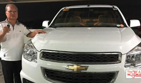 Viral: Father tears up upon receiving SUV from sons