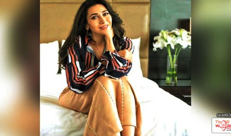 Karisma Kapoor's Love For Stripes Is Real!