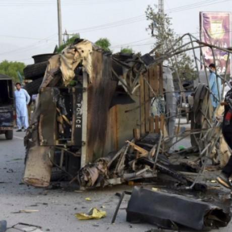 Three suicide attacks rock Pakistani city of Quetta, killing six police, officials say