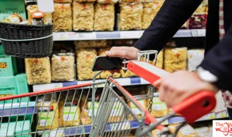 Ajman Police control rush at food store after discount offer