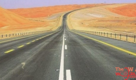 New road in world's largest contiguous desert in Saudi Arabia