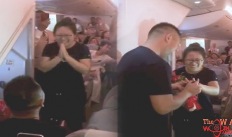 Emirates airlines passenger proposes to girlfriend on flight
