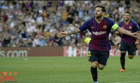 Lionel Messi hat-trick fires Barca to victory over PSV