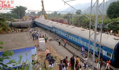 7 dead, several injured after train derails in India