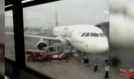 Lion Air plane crash: Chilling phone video shows passengers boarding fatal Lion Air flight
