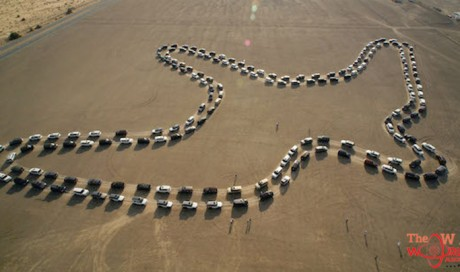 UAE breaks Guinness World Record for largest car dance - Video