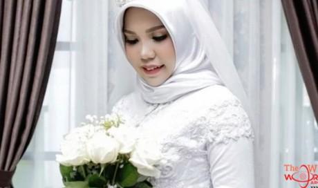 Lion Air crash: Victim's fiancée takes wedding photos alone