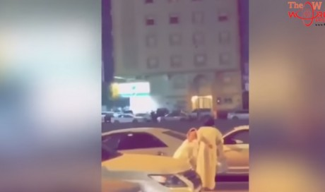 Saudi security rescue child and shoot dead man who using her as 'human shield'