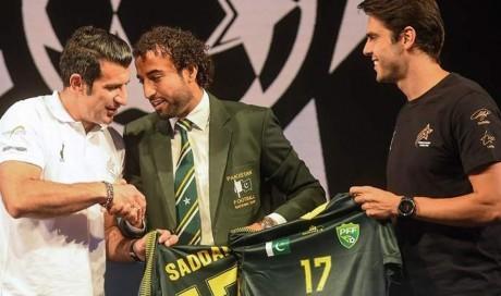Figo, Kaka seek 'promise' of football in cricket-mad Pakistan