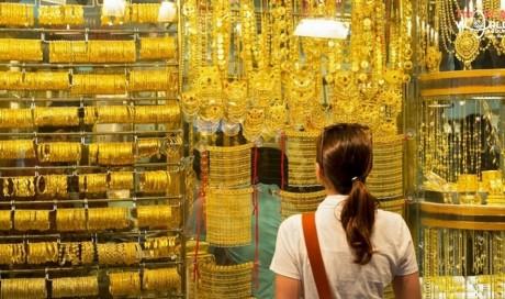 Dubai gold price edge lower, will it drop further?