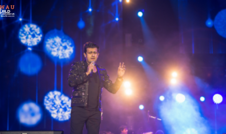 Thousands gather to enjoy Sonu Nigam's Performance