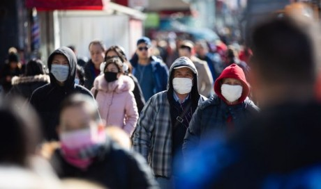 U.S. coronavirus death toll tops 30,000, New Yorkers told to wear masks